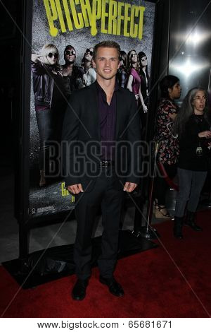 LOS ANGELES - SEP 24:  Freddie Stroma arrives at the