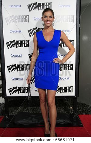 LOS ANGELES - SEP 24:  Tricia Helfer arrives at the
