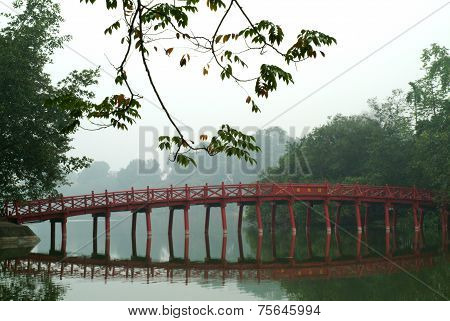 Bridge On The Hoan Kiem Lake,hanoi,Vietnam .