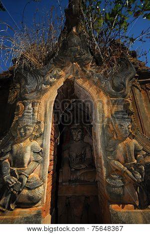 Sanctuary Buddhas In Pagodas At Shwe Inn Taing Near Inle Lake,Myanmar.