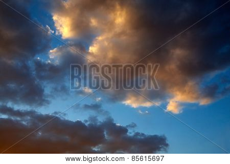 Omnious Clouds