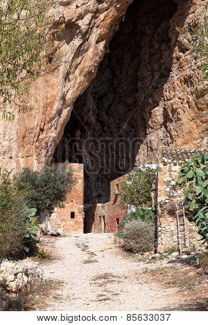 Mangiapane Cave, Sicily : A Village In A Cavern