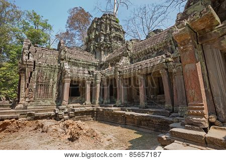 khmer empire temple