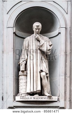 Statue Of Niccolò Machiavelli In Uffizi Alley In Florence, Italy