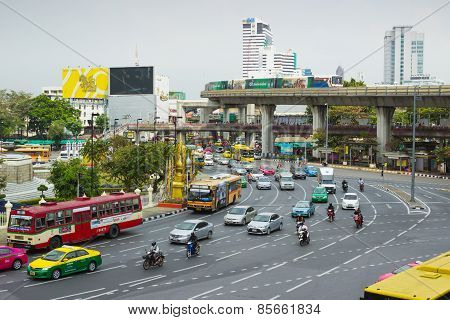 Big Traffic Flows On Roads Bangkok