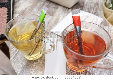 Red And Green Tea