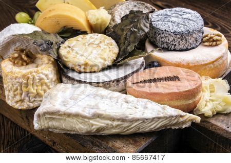 french cheese plate
