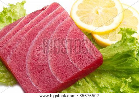 Tuna Sashimi With Salad And Lemon