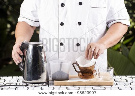 Present Ingredient Fresh Coffee And Filter Cup