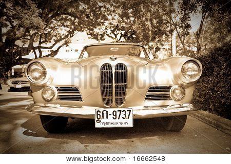 HUA HIN - DECEMBER 18: BMW 503 , 1956 year. Retro Car on Vintage Car Parade 2010 at Sofitel Resort on December 18, 2010 in Hua Hin, Thailand.
