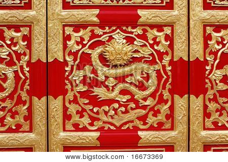 dragon on door with chinese style