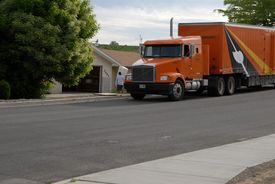 picture of moving van  - moving to new neighborhood with moving company - JPG