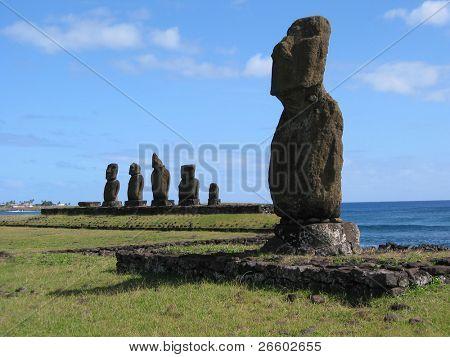 Ahu Tahai. Moais of Easter Island