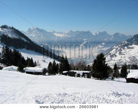 Majestätische Alpenblick. Arvenbüel, Schweiz