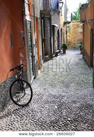Narrow street of Bellagio town at the famous Italian lake Como