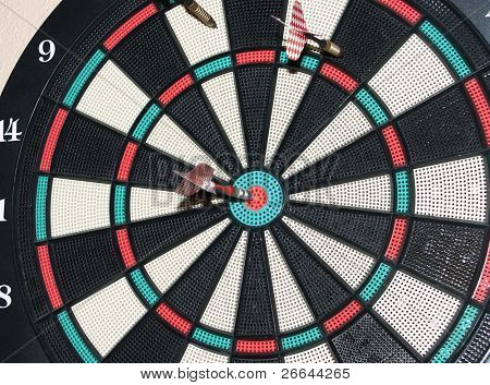 Bulls eye en tablero de dardos