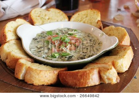 Spinach dip with bread