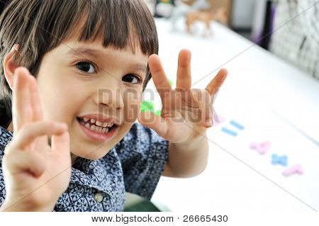 school children, counting on fingers