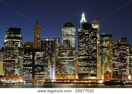 Lower Manhattan por la noche desde el Brooklyn Heights Promenade.