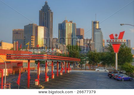 """ATLANTA, Geórgia - 10 de maio: O restaurante de fastfood landmark """"The Varsity"""" tem sido um metro-Atlanta eu"""
