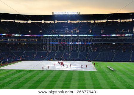 ATLANTA, GEORGIA - JUNE 16: Rain delays at Turner Field during the game between the Atlanta Braves and New York Mets June 16, 2011 in Atlanta, Georgia.