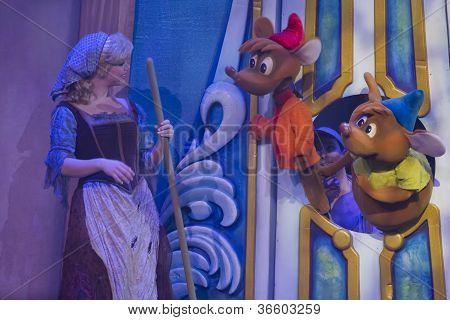 Cinderella Talking To Mice