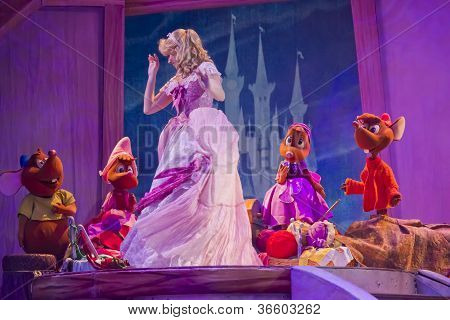 Cinderella's Dress And The Mice