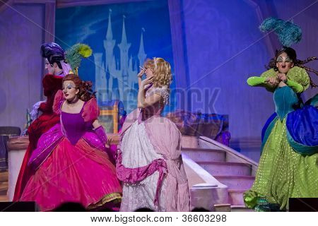 Mean Stepmother And Stepsisters