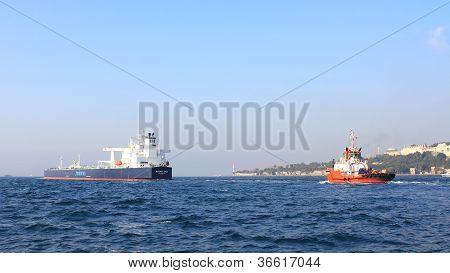 Tanker ship convoy