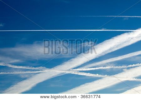 Aircraft Heathrow Vapour Trails