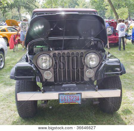 1980 Jeep Scrambler Frontansicht
