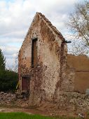 foto of fieldstone-wall  - 17th century farmhouse ruins - JPG