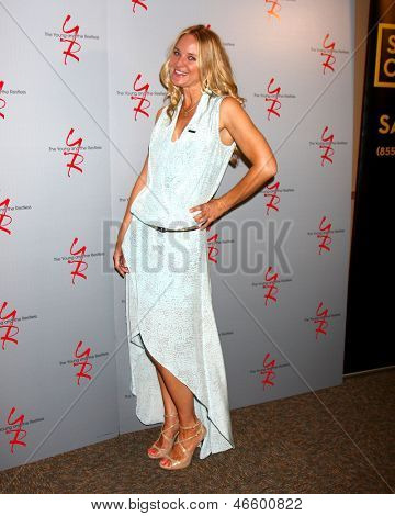 """LOS ANGELES - JUN 4:  Sharon Case arrives at SAG-AFTRA Panel Discussion With The Cast Of """"The Young And The Restless"""" at the SAG-AFTRA Headquarters on June 4, 2013 in Los Angeles, CA"""