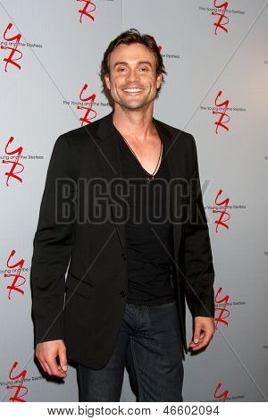 LOS ANGELES - JUN 4:  Daniel Goddard arrives at SAG-AFTRA Panel Discussion With The Cast Of