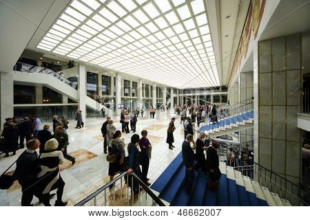 MOSCOW - OCTOBER 14: People in lobby and on staircase after anniversary concert of Edyta Piecha in Kremlin Palace, on October 14, 2012 in Moscow, Russia.
