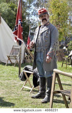 konföderierte Soldaten im Lager