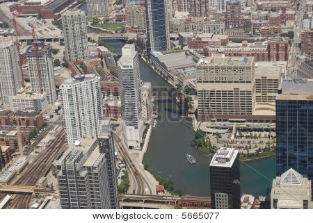VIEW OVER CHICAGO RIVER