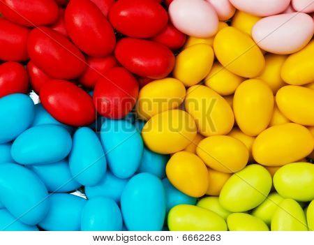 Ovos de chocolate, de várias cores