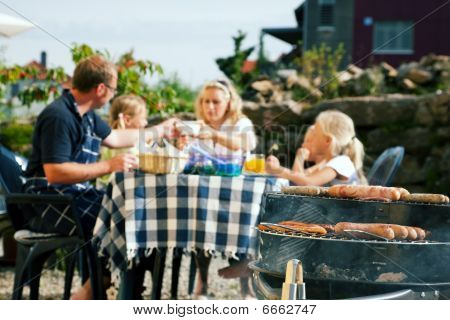 "Family, barbecue, eat, eating, cooking, meal, ""barbeque grill"", garden, party, ""garden party"", meat,"