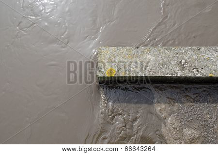 Water Flow In Aerated Grit Chamber Treatment Stage