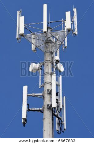 High telecommunications transmitter