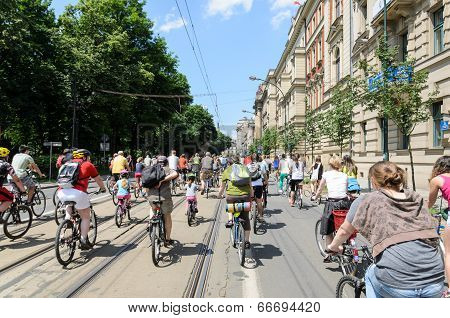 CRACOW - JUNE 9 - mayor cycling event in Cracow with 3500 participants June 9, 2013, Cracow, Poland