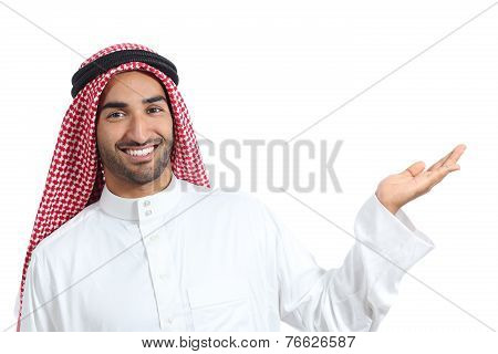 Arab Saudi Promoter Man Presenting A Blank Product