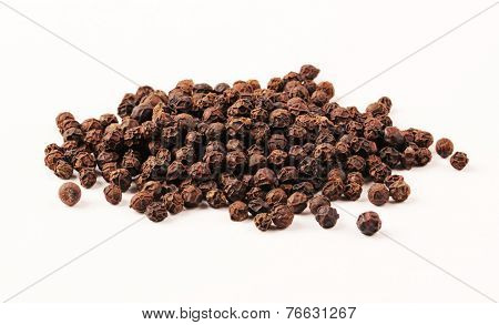 Black Pepper with clipping path
