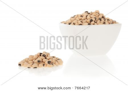 Black eyed peas beans in a bowl