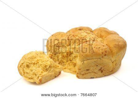 Fresh round tomato and cheese bread