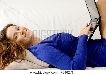 Seductive Girl In Relax With Laptop