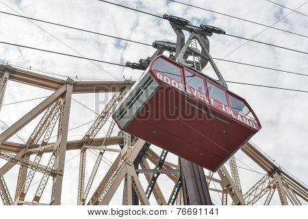 Roosevelt Island Cable Tram, Manhattan, New York