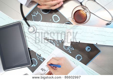 Medical Doctor Work On A Daily Medical Reception