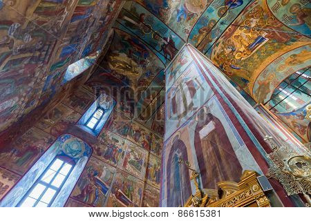 Moscow, Russia March 28, 2015. A Russian ortodox church at the Trinity-Sergius Lavra, build in 1585.